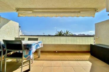 agence immobiliere empuriabrava: appartement 69 m², terrasse avec auvent électrique