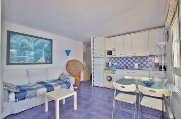 vente appartements rosas espagne, cuisine aménagée ouverte sur le séjour