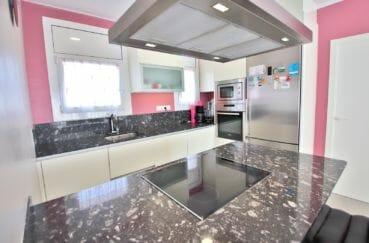 acheter appartement rosas, 3 chambres 74 m², avec grand séjour / salle à manger et cuisine américaine