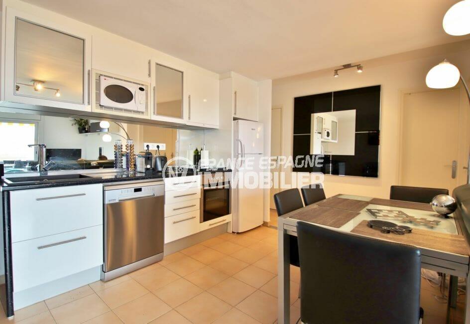 acheter appartement rosas, 4 pièces 88 m², belle cuisine ouverte avec son coin repas