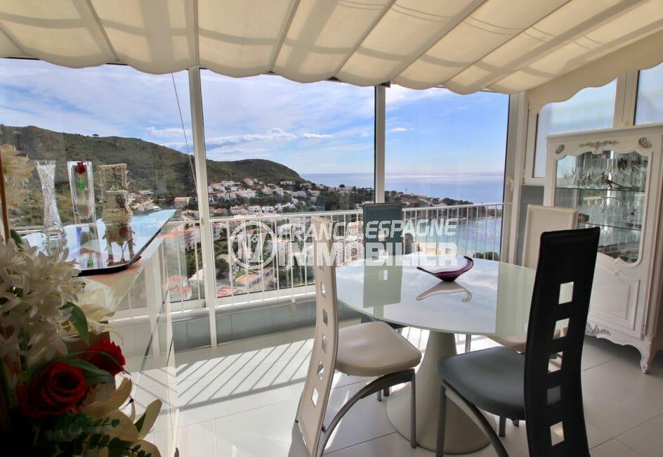 maison a vendre espagne, 4 pièces 100 m², belle veranda aménagée, table, buffet