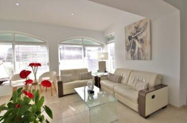 vente immobilier rosas espagne: villa 76 m², salon lumineux entièrement rénové