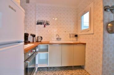 acheter appartement rosas, 81 m², cuisine équipée d'un four et plaques de cuisson