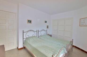 roses espagne: appartement 72 m², 1° chambre, armoire / penderie encastrée