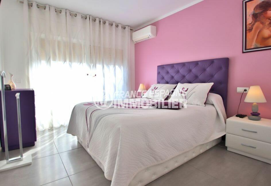 appartement a vendre a rosas, 74 m² avec terrasse 20 m², première des 3 chambres