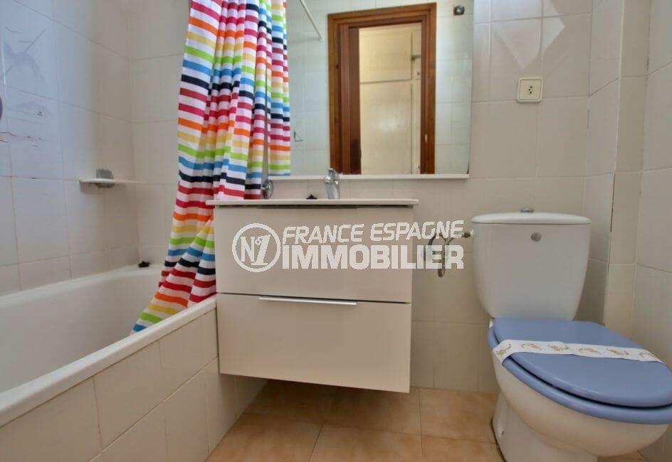 acheter appartement rosas, 28 m², salle de bain avec baignoire et wc