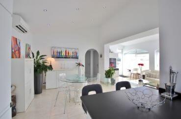 maison a vendre espagne, 76 m², salle à manger lumineuse avec spots encastrés