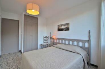 agence immobilière costa brava: appartement 81 m², 2° chambre à coucher, carrelage au sol