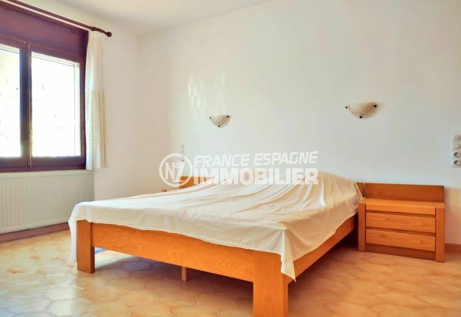 agences immobilières empuriabrava: villa 168 m², chambre à coucher, lit double