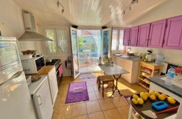 roses espagne: villa 70 m², cuisine indépendante aménagée et équipée
