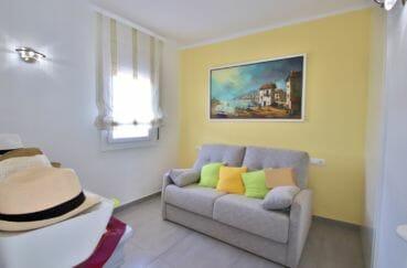 agence immobilière roses: appartement 74 m², troisième chambre lumineuse