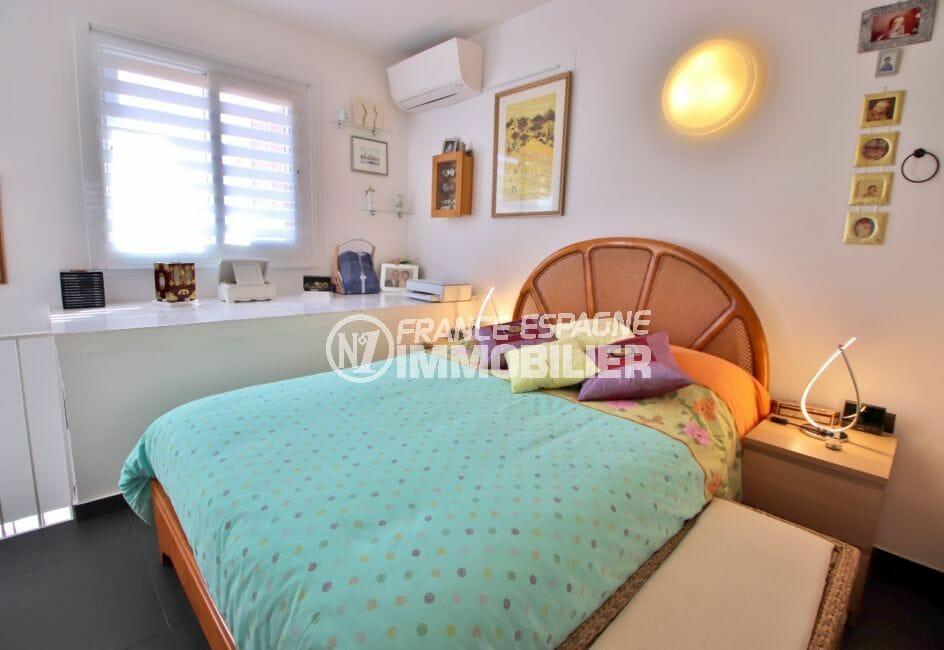 achat maison rosas, 4 pièces 100 m², 1° chambre à coucher avec climatisation