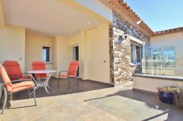 achat maison espagne costa brava, 294 m² en 3 appartements avec piscine, terrasse avec vue mer