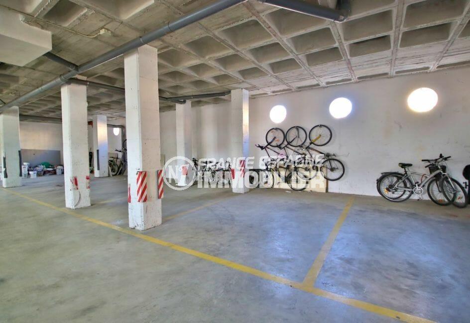 la costa brava: appartement 4 pièces 69 m², place de parking privée en sous-sol