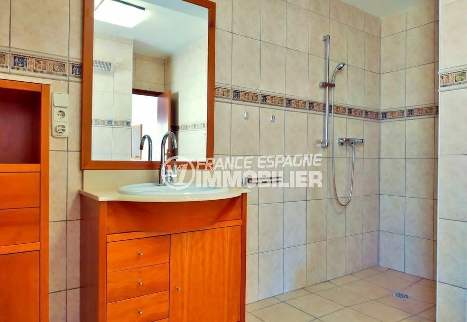 maison a vendre empuriabrava, villa 168 m², salle d'eau avec douche à l'italienne