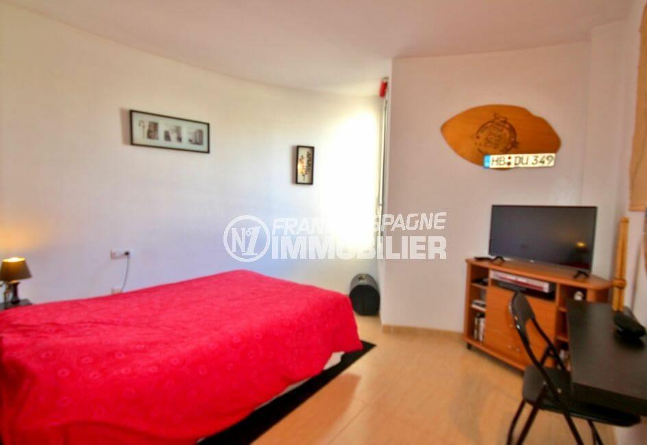 vente immobiliere costa brava: appartement 97 m², chambre à coucher, lit double, bureau