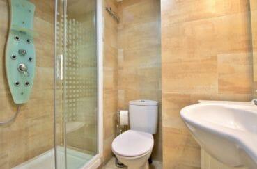 agence immobilière costa brava: appartement 4 pièces 88 m², 2° salle d'eau, douche hydromassante, wc