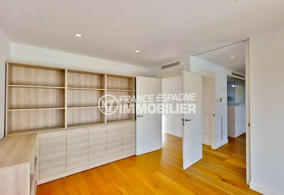 maison a vendre empuriabrava avec amarre, 235 m² suite parentale avec salle de bain