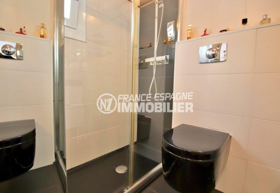 achat maison costa brava bord de mer, 4 pièces 100 m², 1° salle d'eau avec douche et wc