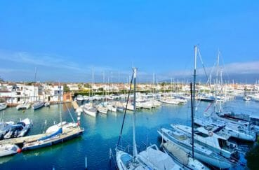 immobilier costa brava: appartement 69 m², belle terrasse avec vue canal