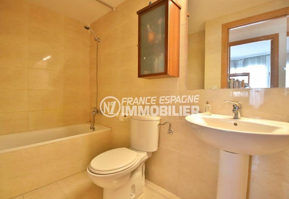 achat appartement rosas espagne, 98 m² avec salle de bain, baignoire, wc