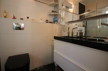 achat villa costa brava, 4 pièces 100 m², 1° salle d'eau avec 2 vasques modernes