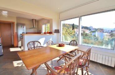 maison a vendre espagne, 294 m² en 3 appartements avec piscine, cuisine américaine