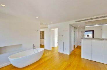maison à vendre à empuriabrava, 235 m²,  salle de bain moderne dans la suite parentale
