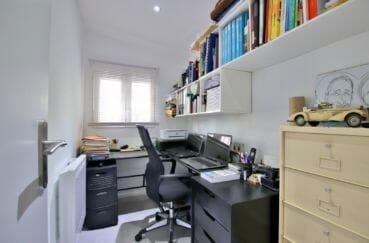 vente maison espagne rosas, 76 m², bureau avec étagères, radiateur