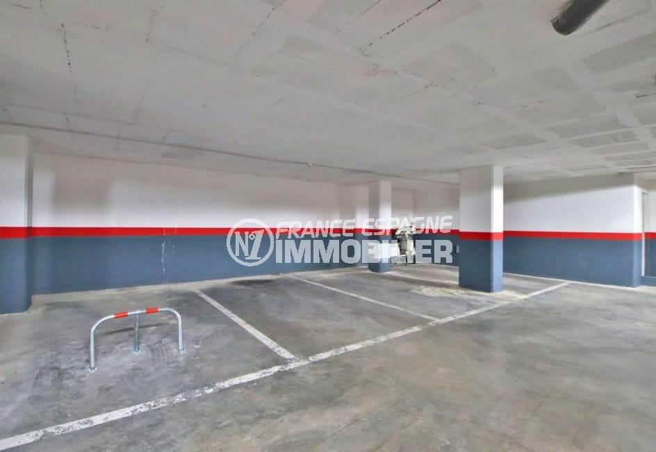 immo center rosas: appartement 98 m², possibilité parking en sous-sol
