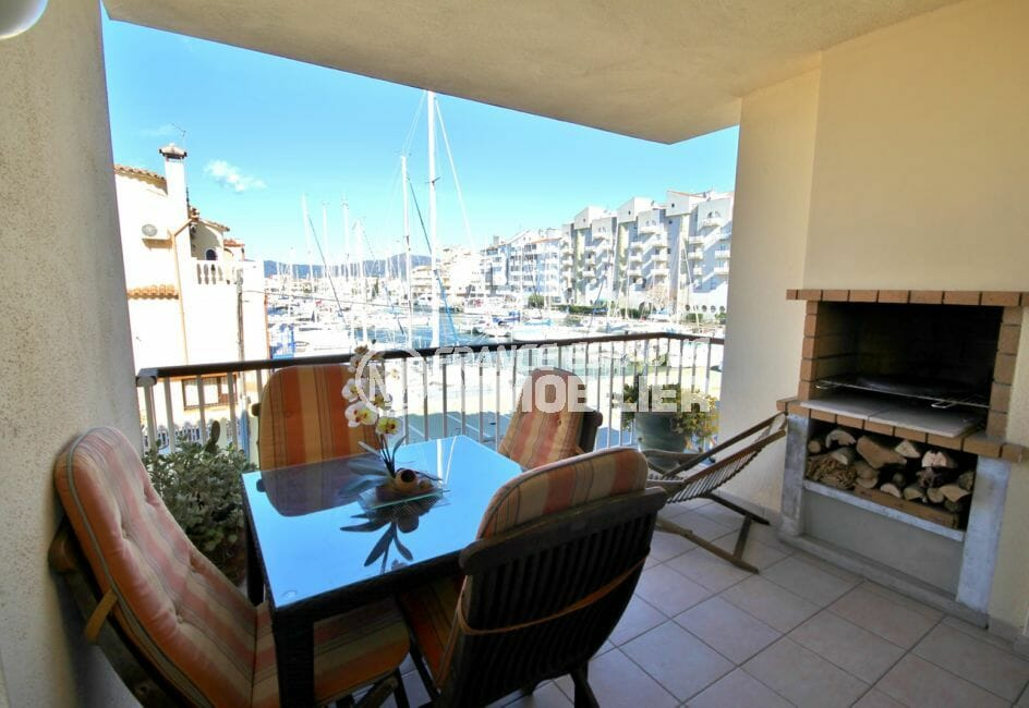 agence immo empuriabrava: appartement 97 m², belle terrasse, vue canal avec barbecue