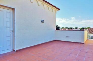 vente empuriabrava: villa 168 m², parking cour intérieur et garage 23 m²