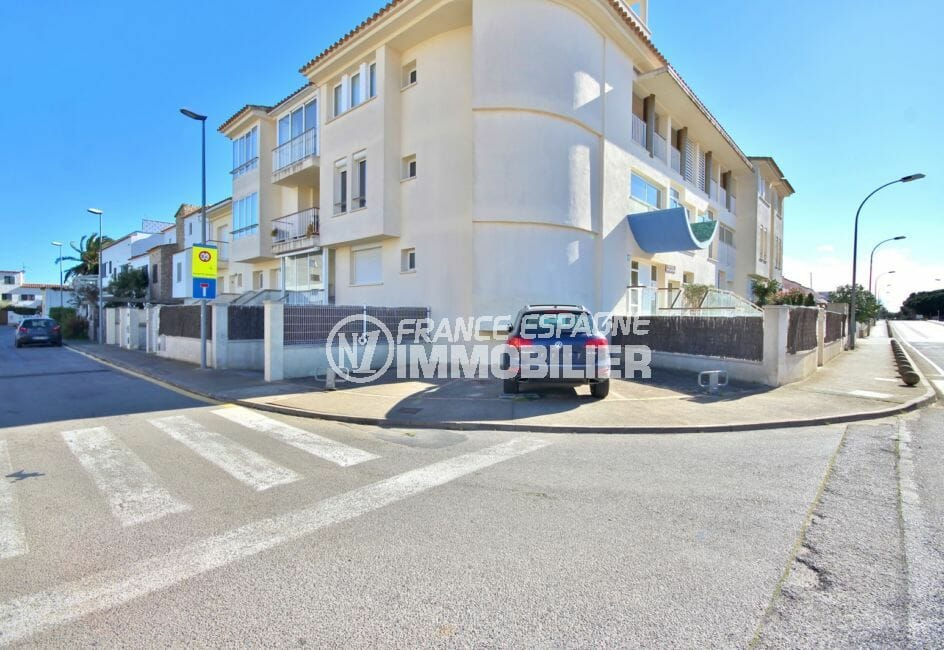 immobilier espagne costa brava: appartement 97 m², résidence avec ascenseur, parking privé