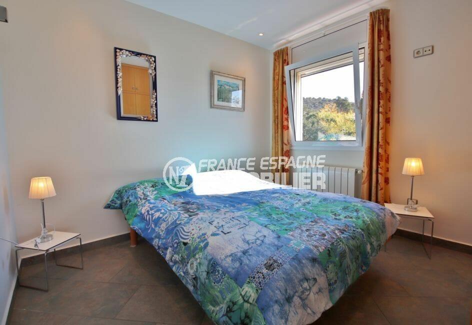 achat villa costa brava, 294 m² en 3 appartements avec piscine, chambre, lit double