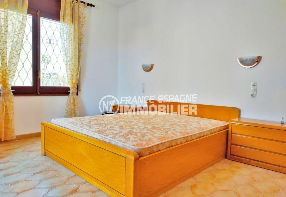 maison à vendre à empuriabrava, 168 m², chambre double avec appliques murales