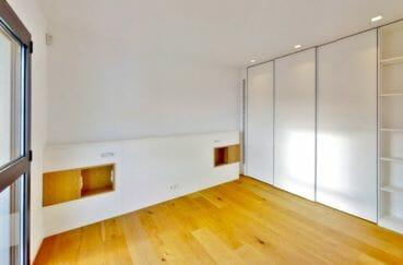 la costa brava: villa 235 m², chambre à coucher avec dressing fait sur mesure