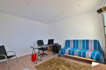 maison a vendre espagne catalogne, 255 m², belle pièce aménagée en bureau