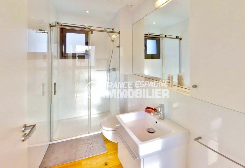 maison a vendre espagne bord de mer, 235 m², salle d'eau avec douche à l'italienne et wc