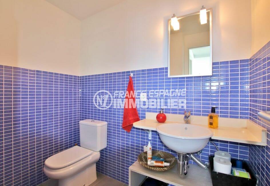 maison a vendre a rosas vue mer, 255 m² avec piscine, salle d'eau avec douche et wc