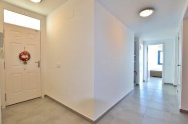 villa a vendre a rosas, 255 m² vue mer, hall d'entrée avec armoire / penderie