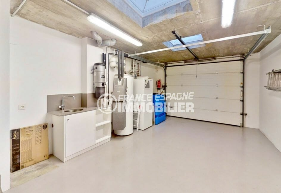 vente maison costa brava, 235 m² avec garage de 27 m², porte électrique