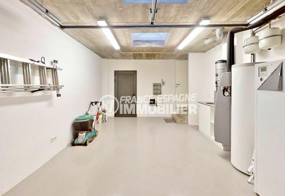 vente immobilier costa brava: villa 235 m², grand garage de 27 m², évier, rangements