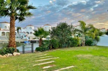 vente immobilière costa brava: villa 235 m²sur terrain de 728 m² donnant sur le canal