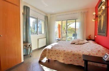 maison a vendre rosas espagne, 294 m² construit en 3 appartements avec piscine,  chambre avec accès terrasse
