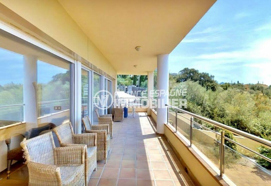 vente appartement rosas, 5 pièces 136 m²  terrasse couverte vue mer et montagne, proche plage