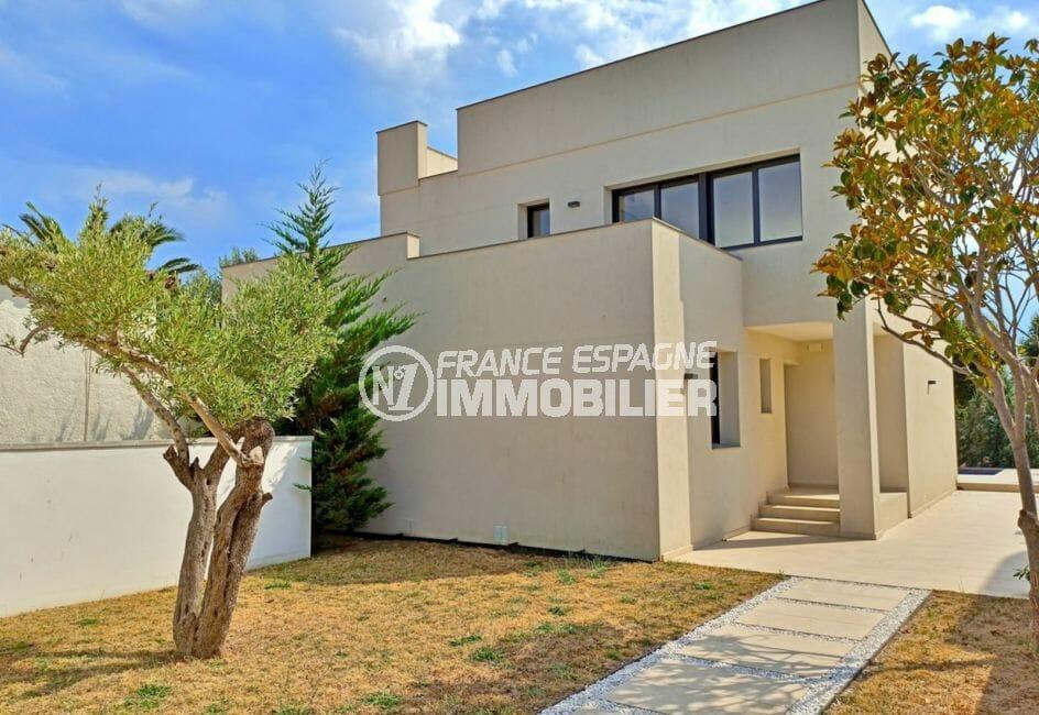 achat maison espagne costa brava, 5 pièces 185 m² sur terrain 512 m² , piscine avec jaccuzi, garage, parking et amarre 14 m