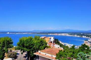 achat maison espagne costa brava, 4 pièces 119 m², terrasse, véranda, piscine et garage, proche plage et commerces