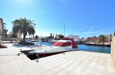 achat maison costa brava, villa 336 m² avec bel emplacement amarre de 33 m, proche plage et commerces