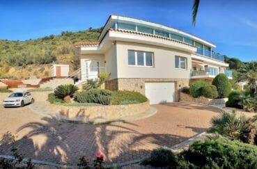 agence immobilière costa brava: villa de 480 m² sur terrain 2 012 m², piscine, jacuzzi, pool house