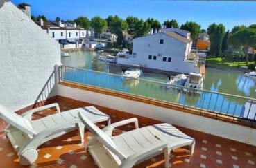 maison a vendre empuriabrava, 132 m² , terrasse avec accès direct canal, amarre 8,3 m, proche plage
